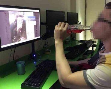 thanh niên xem phim sex
