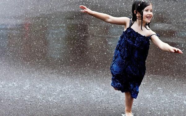 Tắm mưa - ký ức tuổi thơ