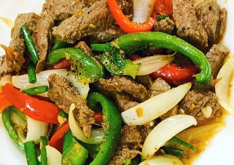 Ớt chuông xào thịt bò - món ăn nhiều người yêu thích